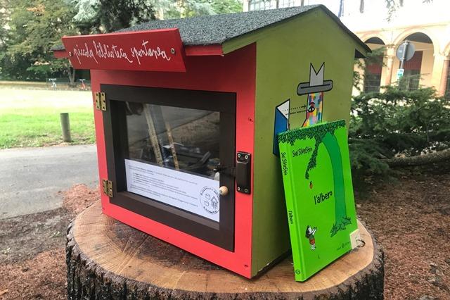 La piccola biblioteca spontanea di Via Filippo Re @Unibo